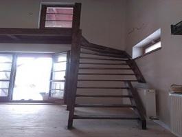Dodání dřevěného schodiště